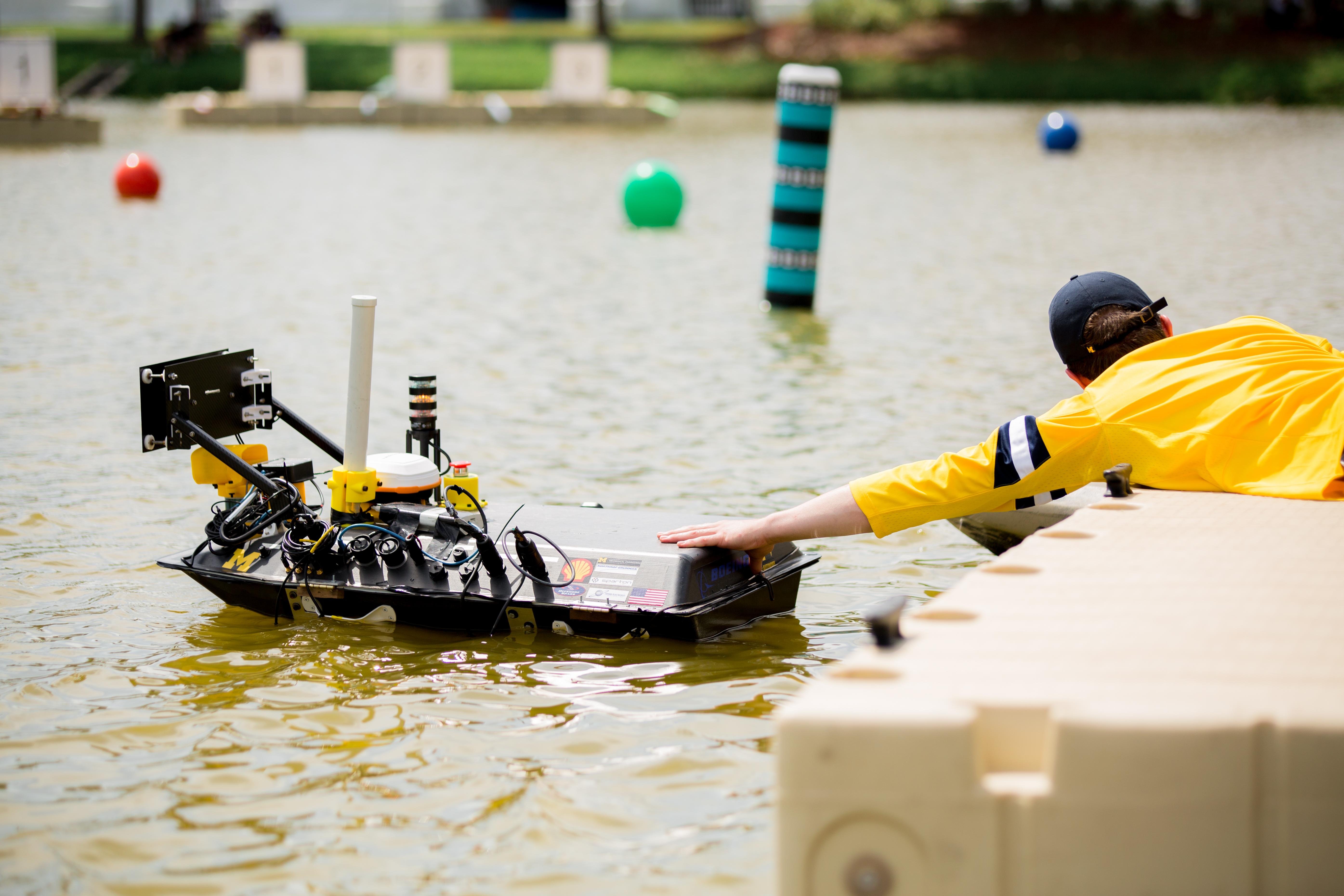 2019 RoboBoat | University of Michigan team